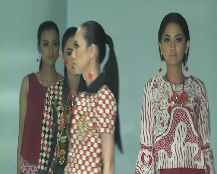 AMAZING BATIK_28 SEPTEMBER 2017_SEG 1.mpg_000235920