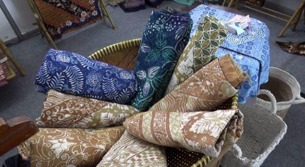 Amazing Batik 3.mp4_000267346
